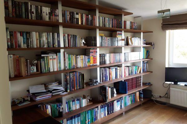 Bücherwand Eiche massiv Alu Stollen